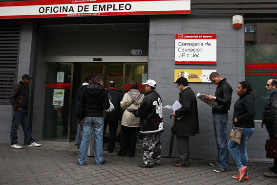 el-desempleo-no-es-del-15,3%,-la-alfombra-de-los-erte-y-los-nuevos-inactivos-maquilla-la-dura-realidad